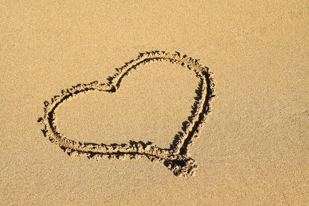 heart-2Bin-2Bsand